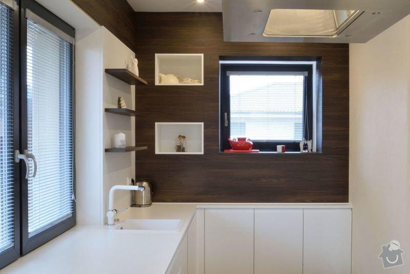 Kuchyně bez horních skříní s rohovým vařením, Zruč: DSC_0514