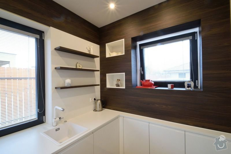 Kuchyně bez horních skříní s rohovým vařením, Zruč: DSC_0519