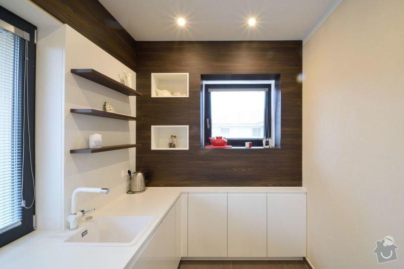 Kuchyně bez horních skříní s rohovým vařením, Zruč: DSC_0518