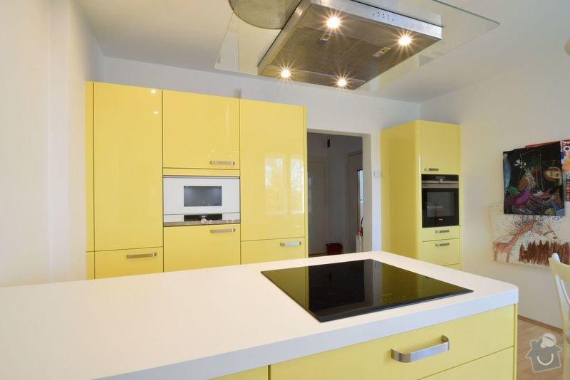 Rekonstruovaná vila s velkou zahradou dostala veselou kuchyni: DSC_0530