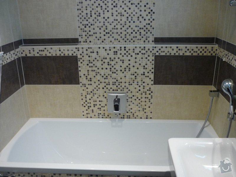Rekonstrukce koupelny, wc: Celkový pohled- kombinace klasického obkladu a mozaiky