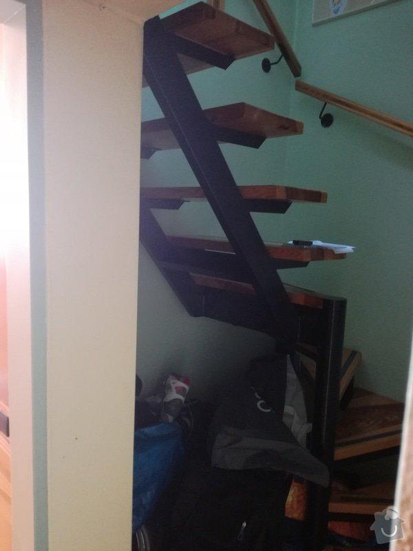 Nábytek na míru: úzká vysoká knihovna + vestavná policová skříň pod točité schody: IMG_20170204_121231