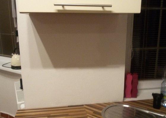 Skleneny obklad kuchyne
