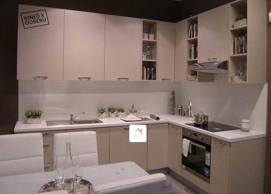 Montáž menší kuchyňské linky, L 210x150cm, Praha 5 Zličín