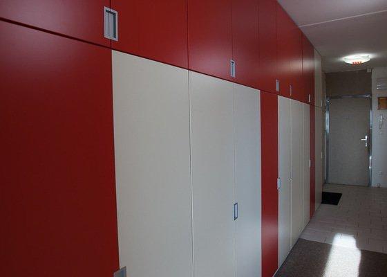 Dodání a montáž vestavěných skříní
