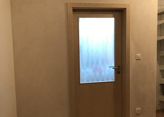 Posunutí vnitřních obložkových dveří - zednické práce