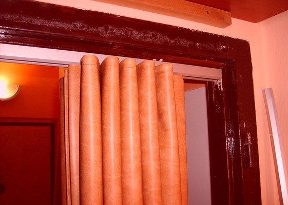Montáž dvou shrnovacích dveří