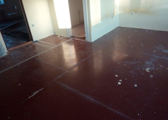 Nová podlaha včetně podkladu a zateplení - cca 45m2