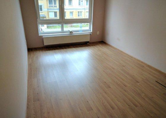 Dodání a položení laminátové podlahy