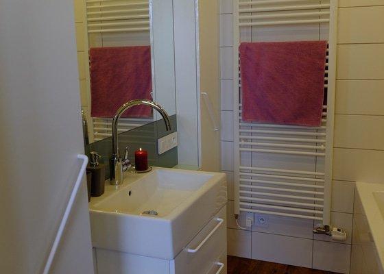 Kuchyňskou linku a vestavné skříně