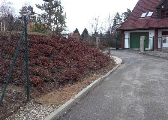Stavba pletivového plotu