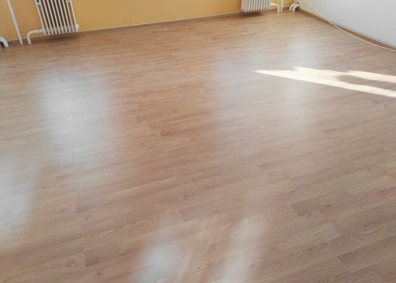 Pokládka podlahy 25m²