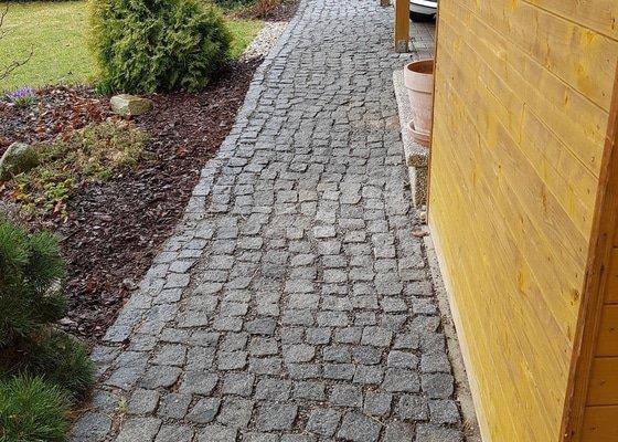 Pokládka žulové dlažby a terasa s vymývané betonové dlažby