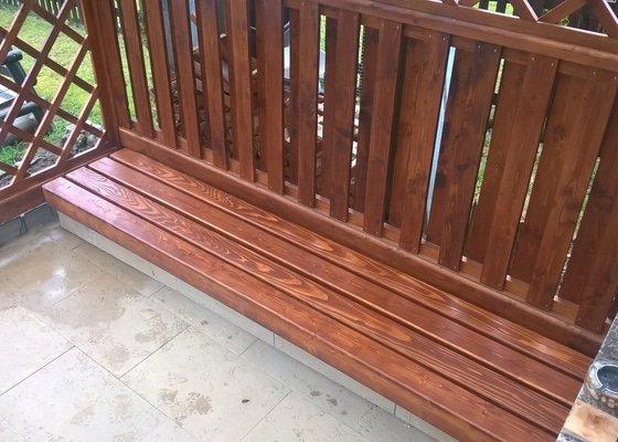 Zhotovení lavice na sezení z dřevěných (smrkových) hranolů do pergoly.