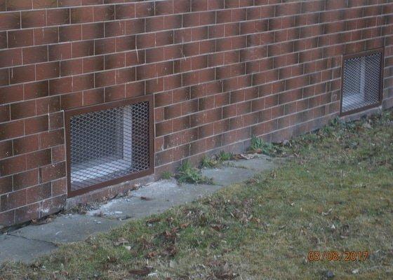 Mříže na schodiště  a na sklepní okna