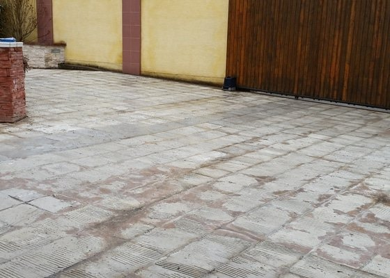 Kamenný koberec s pokládkou cca 120m2
