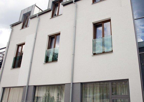Skleněné zábradlí do francouzských oken