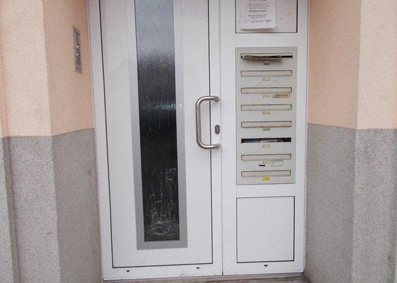 Zasklení vstupních dveří