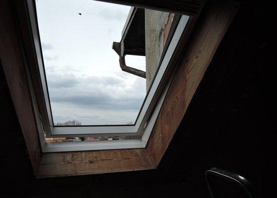 Výměna dvou střešních plastových oken za nové