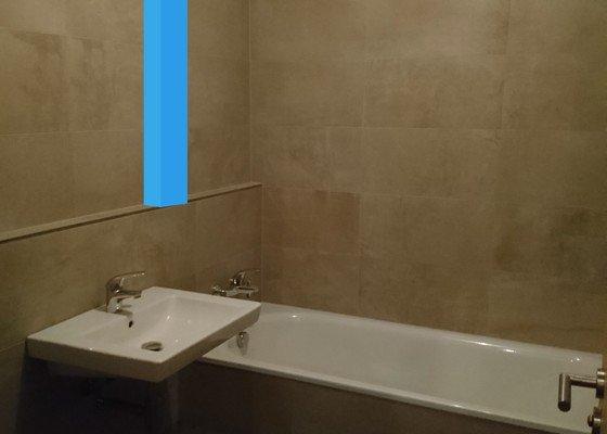 Koupelna - přizdění a ukotvení sloupku, obložení