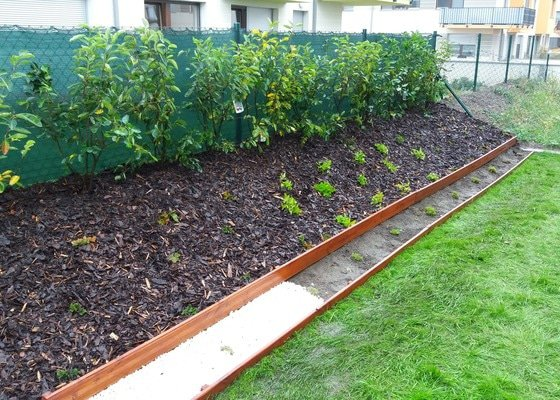 Realizace malé zahrady v projektu Nové Chabry