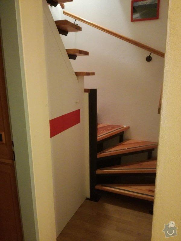Nábytek na míru: úzká vysoká knihovna + vestavná policová skříň pod točité schody: IMG_20170415_201415