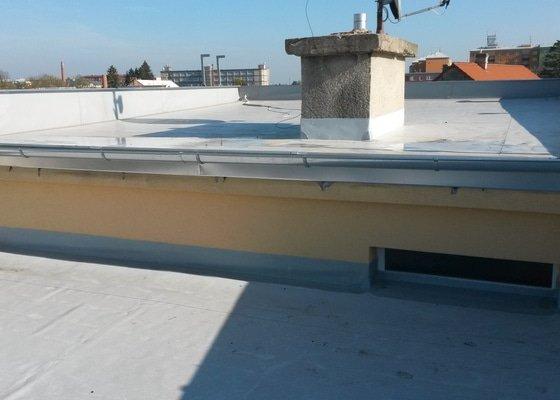 Hydroizolace ploché střechy RD vč tepelní izolace EPS.