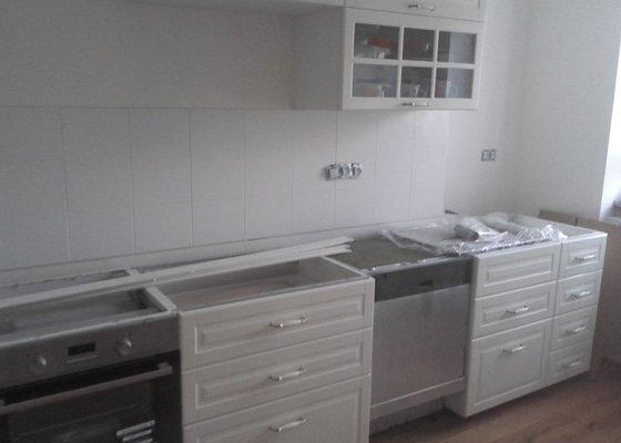 Kuchyňská deska a obložení