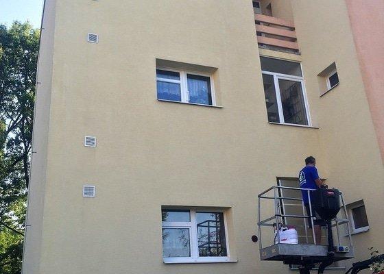 Vyčištění fasády bytového domu