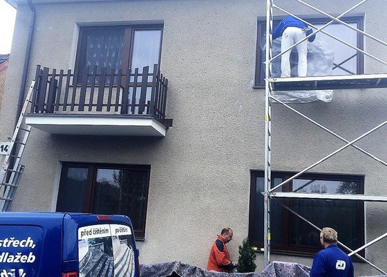 Čištění a nátěr fasády rodinného domu