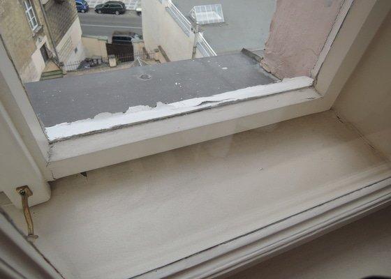 Oprava nátěru okna