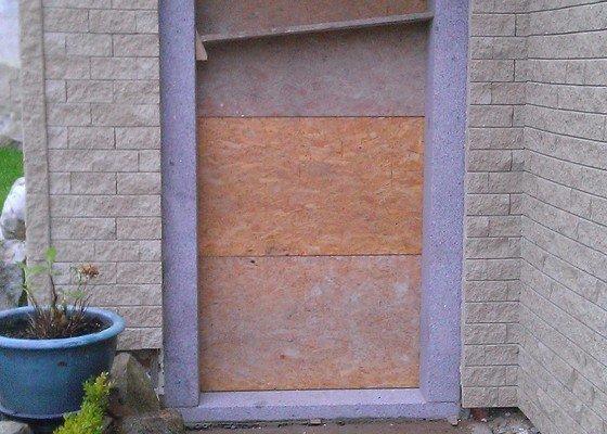 Vchodove dvere z dubiveho masivu - poptavam