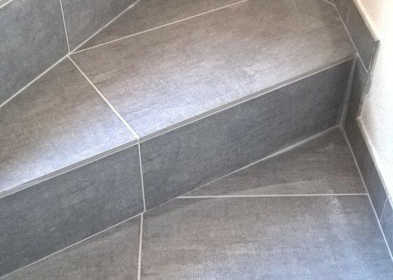 Obklad betonového schodiště dlažbou