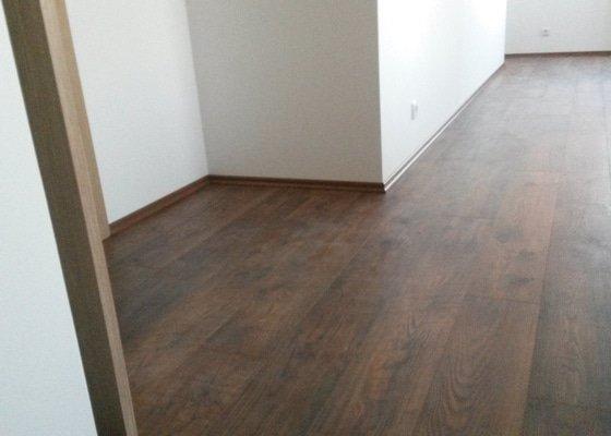 Pokládka laminátové podlahy 35m2