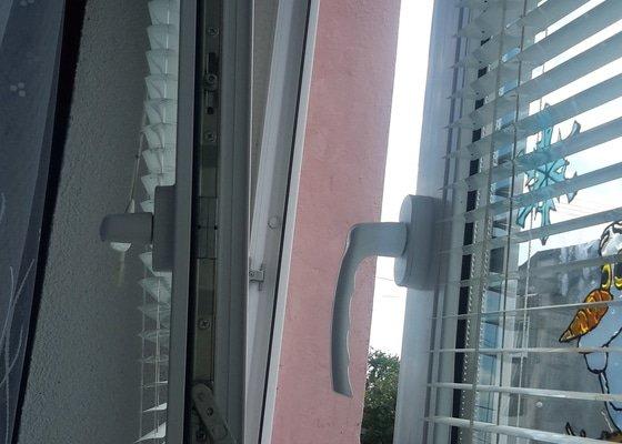 Oprava zavírání plastového okna zn.HOCO, mimo záruku, Hazlov