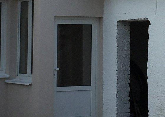 Žaluzie a sítě na hmyz pro plastová okna