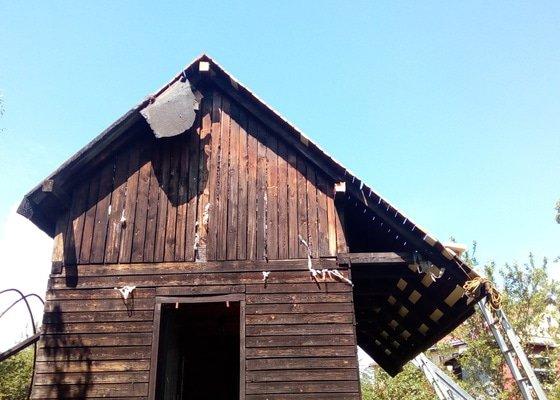 Pokrytí střechy zahradní chatky