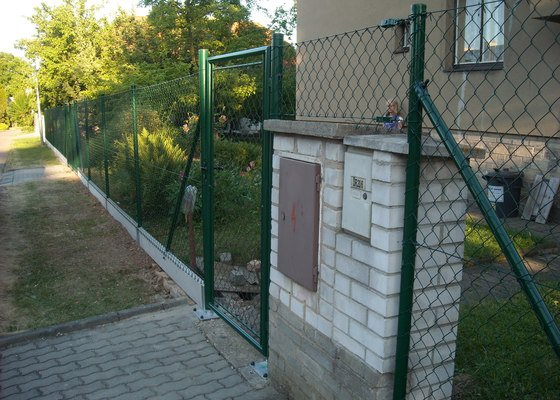 Drátěný plot + brána + branka, demolice