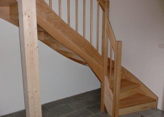 Dřevěné samonosné schody