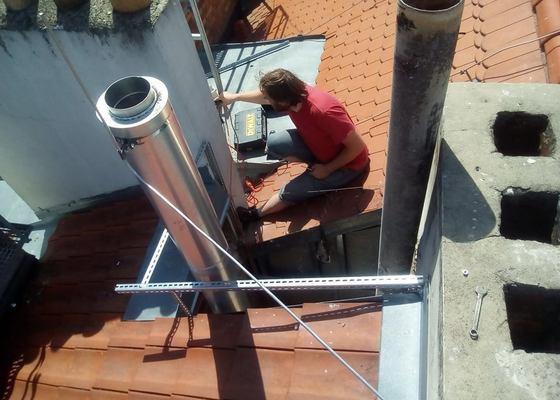 Oprava zastřešení světlíku vč. odstranění zvlhlé suti
