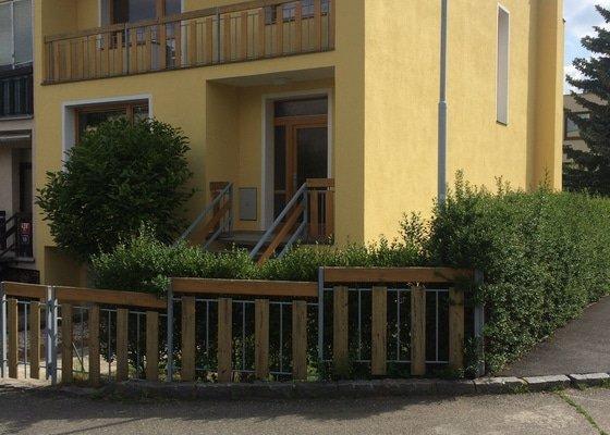 Rekonstrukce vjezdu do domu,malování fasády