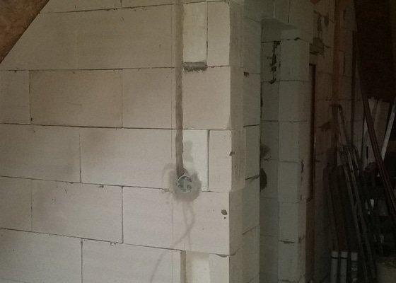 Vnitřní omítky (cca 100m2), 3 podkrovní pokoje