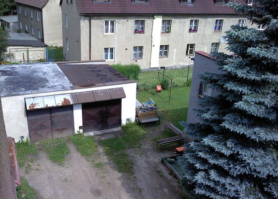 Oprava střechy garáže