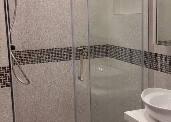 Rekonstrukce koupelny + kuchyně + podlaha v chodbě