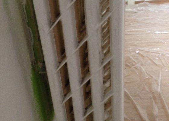 Výměna dvou litinových radiátorů v paneláku