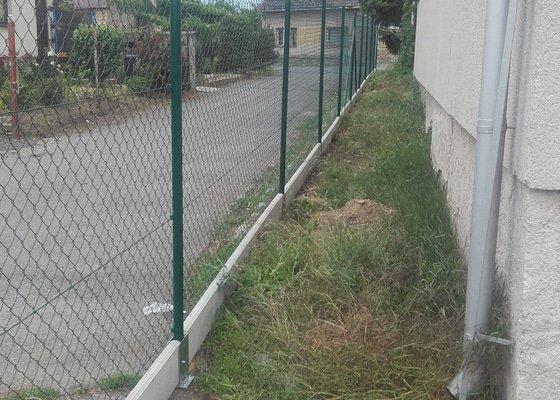 Stavba pletivového plotu 91m
