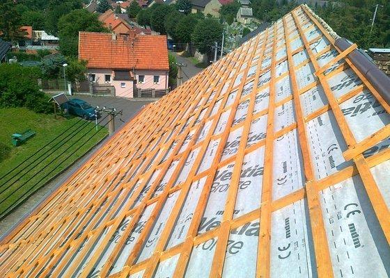 Oprava poloviny střechy