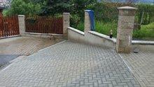 Zhotovení základů a zámkové dlažby  stání pro auta a zahradní domek