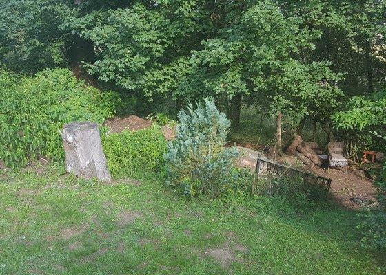 Plot kolem zahrady v chatove oblasti Vraz u Berouna