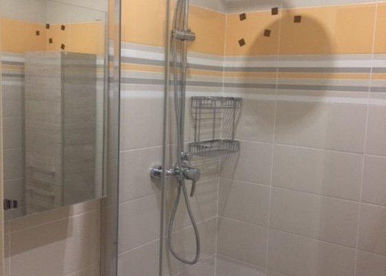 Rekonstrukce koupelny + WC v paneláku.